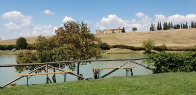 Tour della Toscana in Vespa da Pisa a Volterra