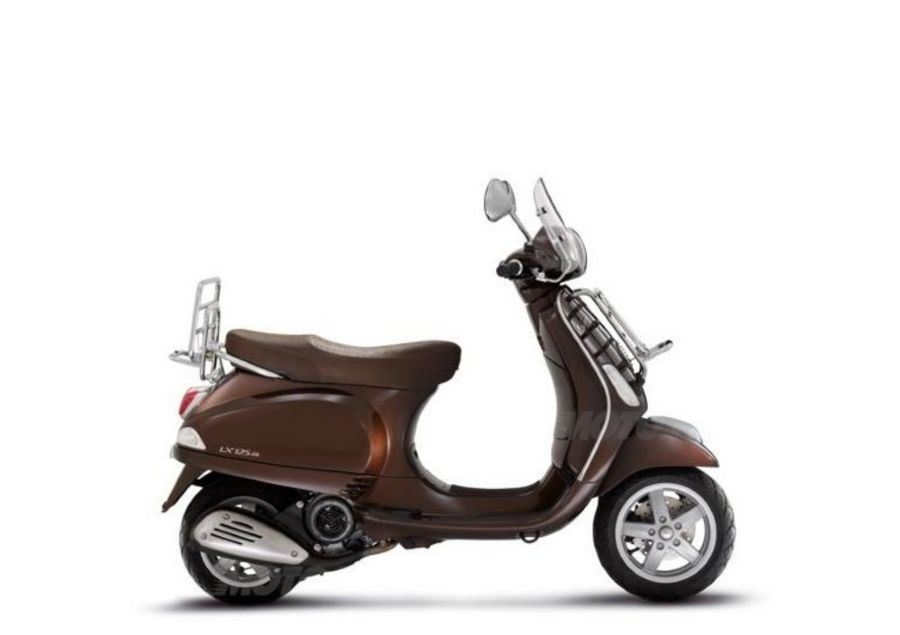 Vespa 125 LX rentals in Tuscany