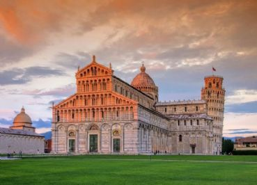 Itinerary to discover Pisa by bike, Vespa or scooter