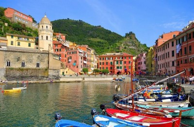 Itinerary to discover the Cinque Terre by Vespa, bike or scooter