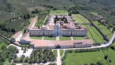 Itinerary to discover Calci Certosa by bike, vespa or scooter
