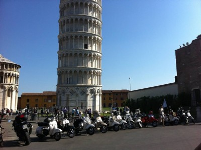 Tour di Pisa in Vespa